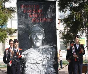 Митинг, посвященный павшим учителям и выпускникам в ВОВ